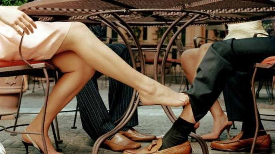 Ατελείωτο… κρεβάτι η Ελλάδα – Ο ένας στους πέντε παντρεμένους Έλληνες απατά 2