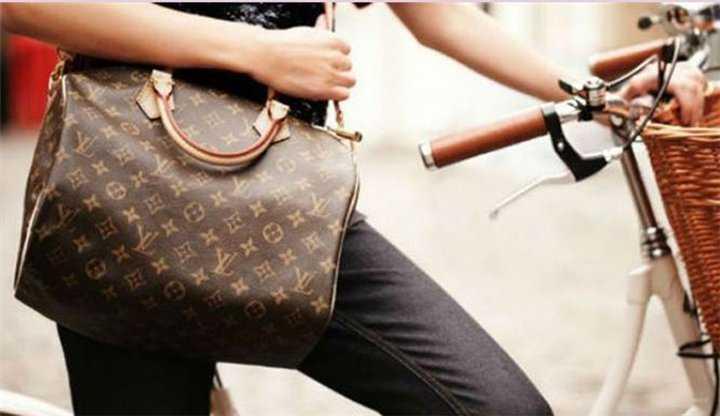 c36d1642661 Πώς θα καταλάβεις αν μια επώνυμη τσάντα είναι αυθεντική; - tromaktiko