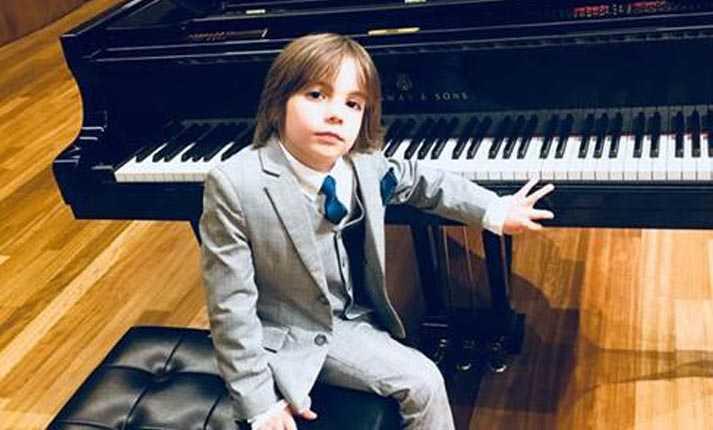 Στέλιος Κερασίδης: Ο 6χρονος Έλληνας που μάγεψε το «Carnegie Hall ...