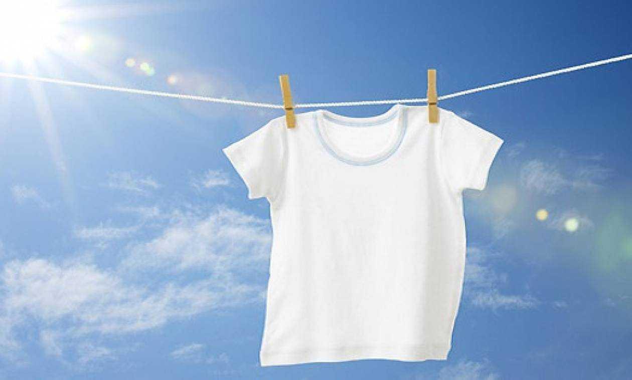 3efdebc54628 Θα πάθετε πλάκα όταν δείτε πως φεύγει η κιτρινίλα από τα λευκά ρούχα! -  tromaktiko