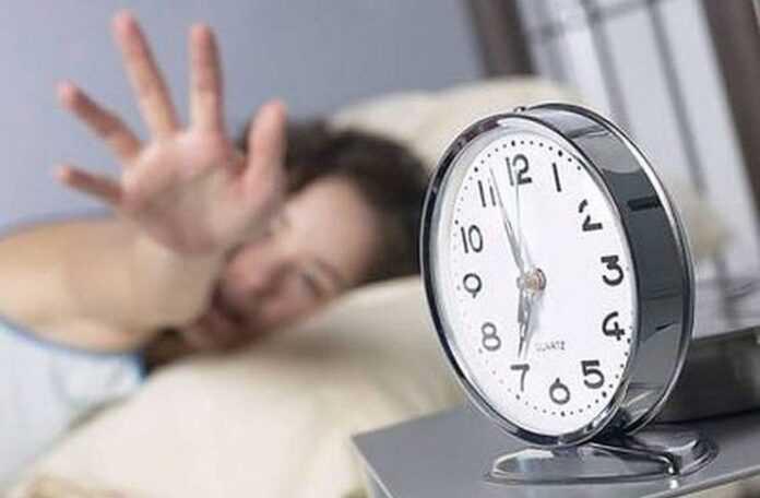 Αυτός είναι ο λόγος που ξυπνάτε πριν χτυπήσει το ξυπνητήρι