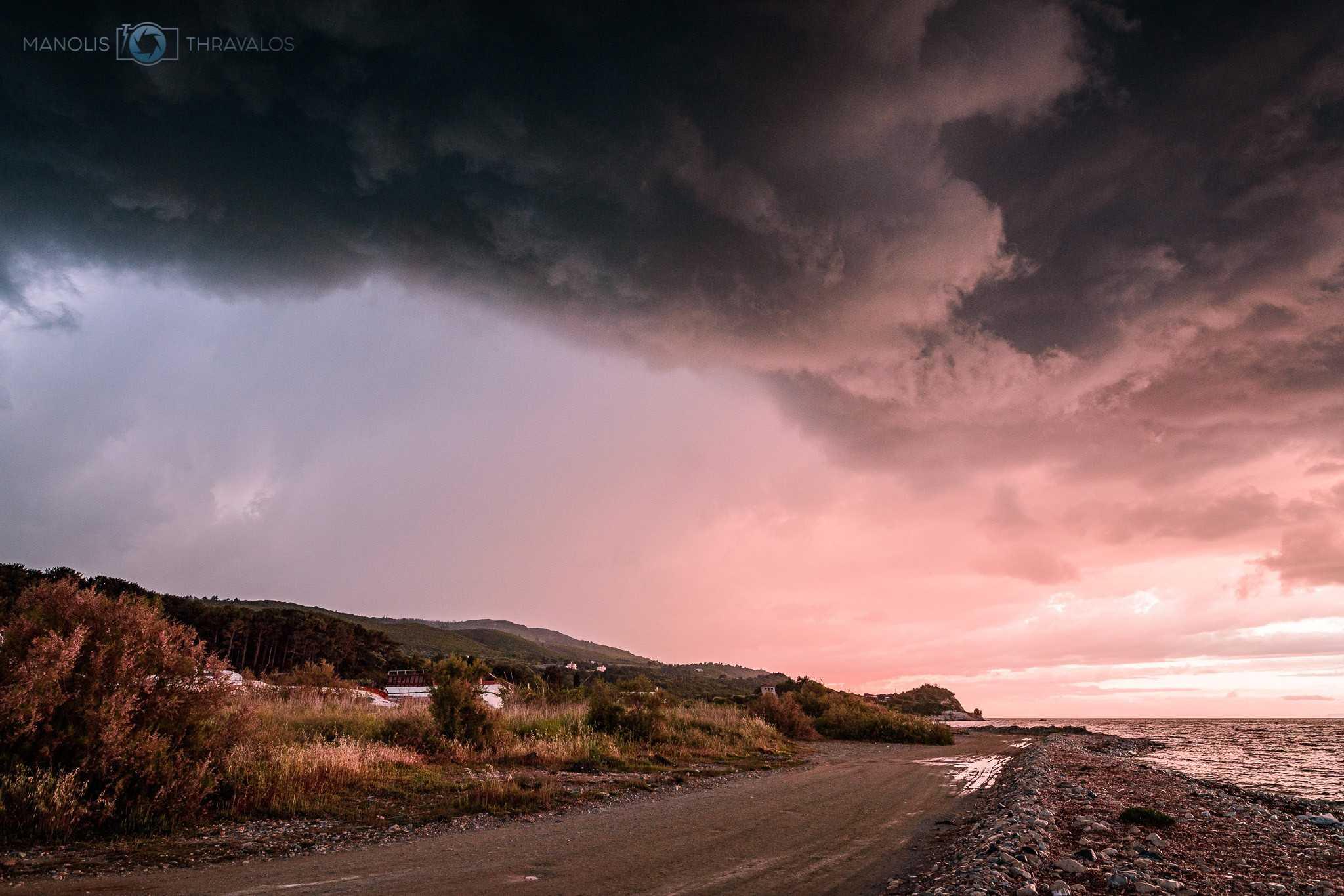 Σάμος: Μία καταιγίδα χρωμάτων είχαν την ευκαιρία να δουν χθες το απόγευμα οι κάτοικοι