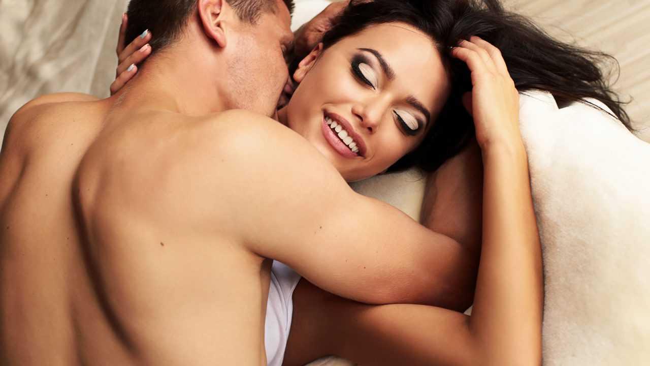 Σεξ φύλο πάθος: Πώς μπορεί να φουντώσει το πάθος σε μία ερωτική σχέση